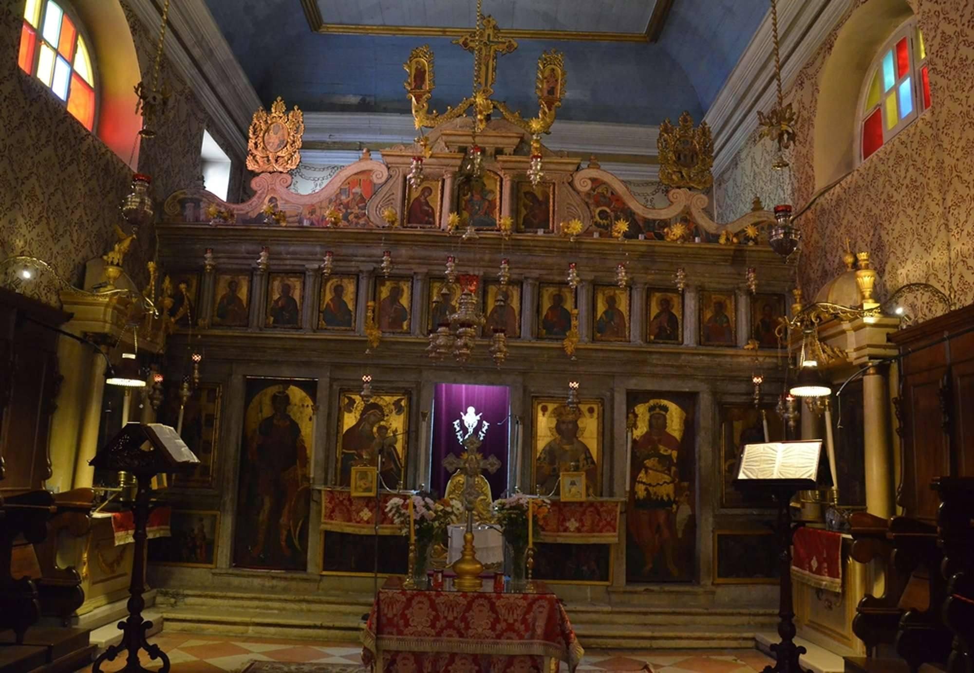Иконостас в храме Иоанна Предтечи