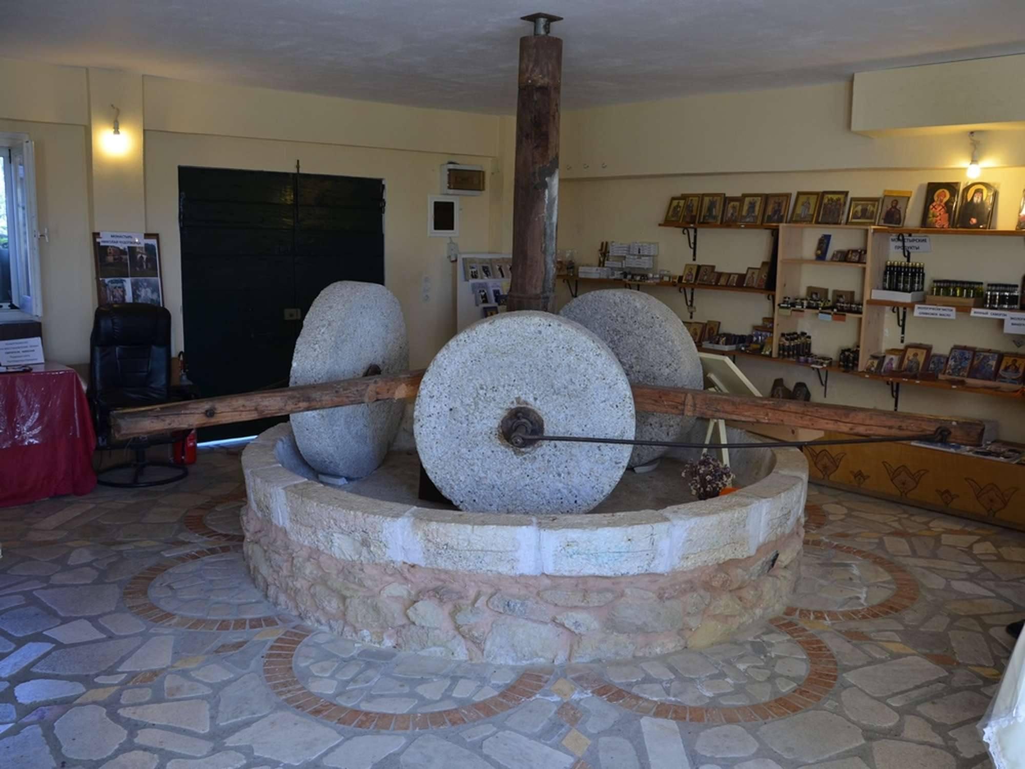 Механизм для давления оливкового масла