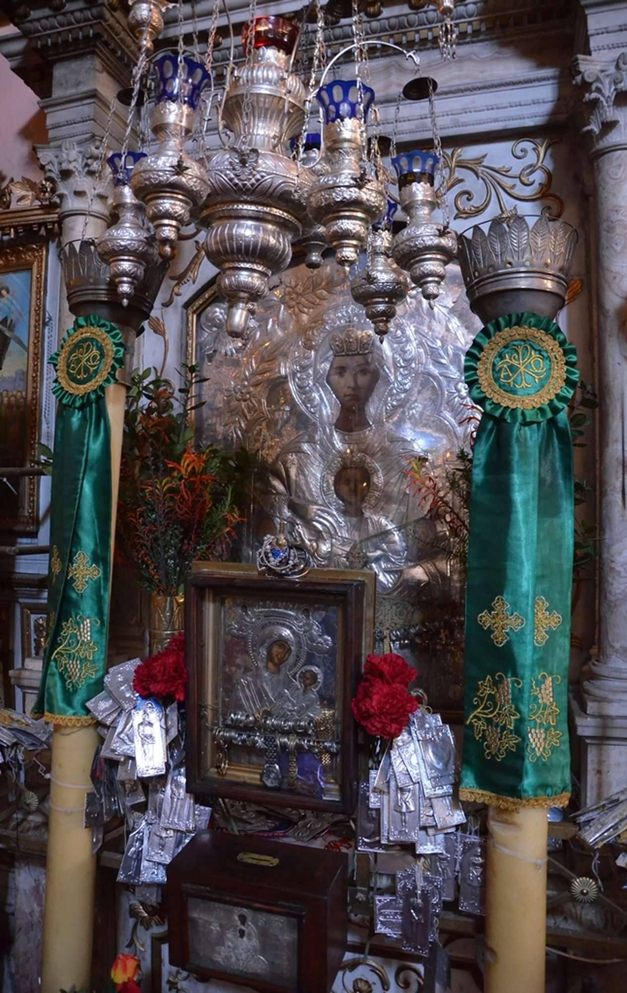 Чудотворная икона Богородицы в монастыре Палеокастрица