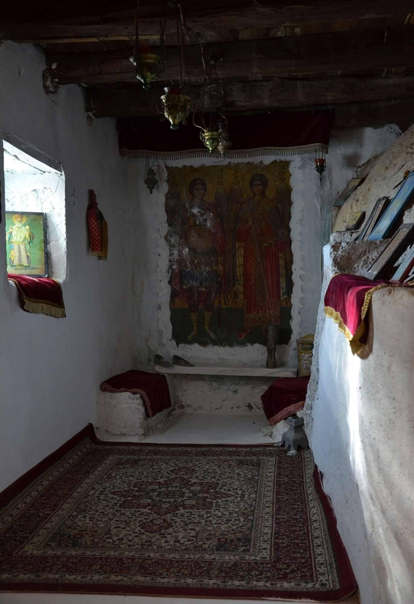 Еще пещера в мужском монастыре Пресвятой Богородицы Миртидиотиссы