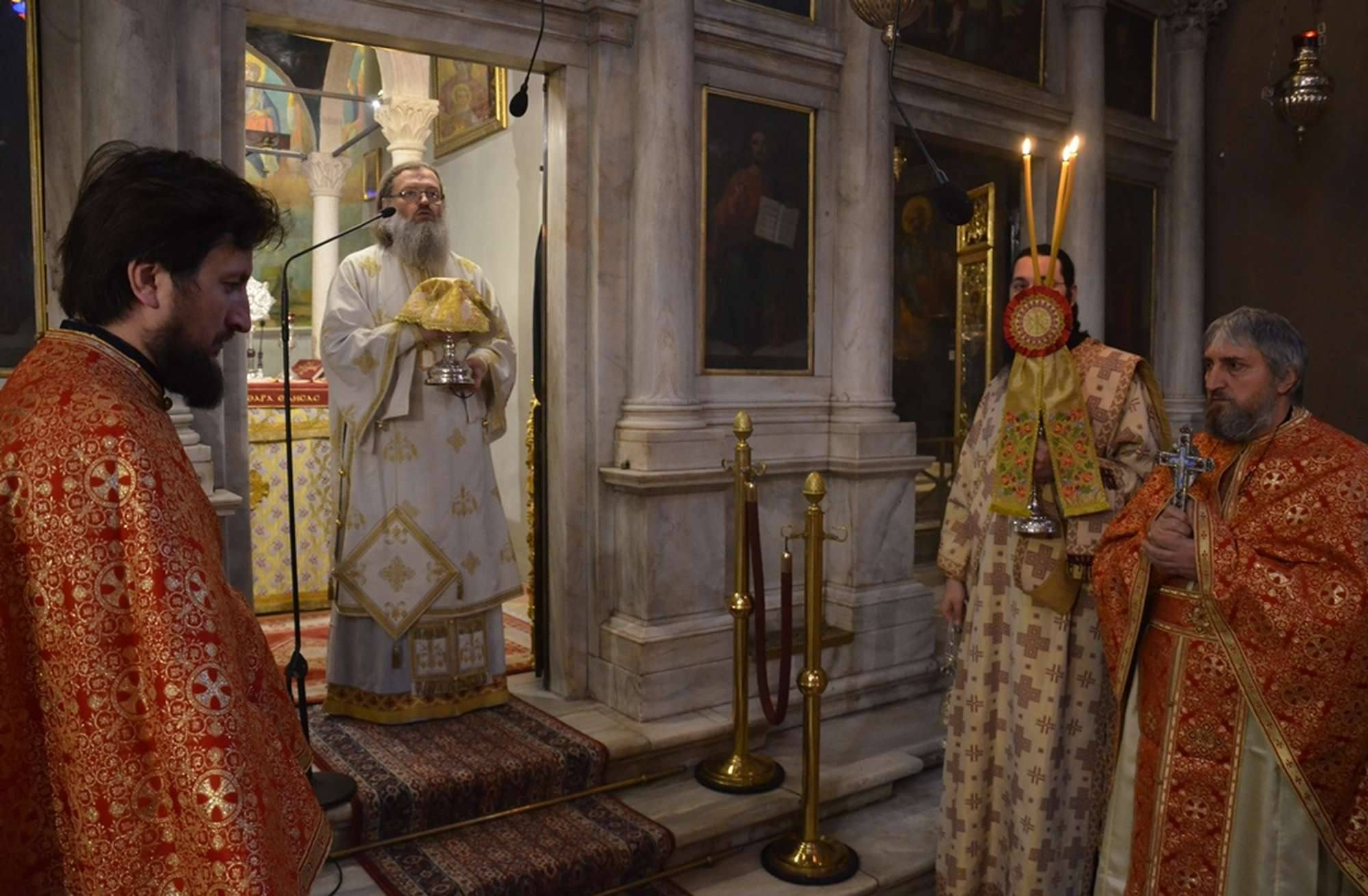 1.7 Великий вход во время Литургии в храме свт. Спиридона